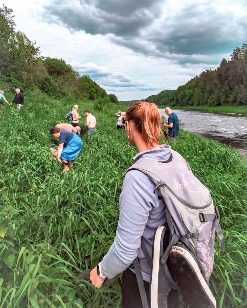 Crocs Atbalsta Apavu Pielietojums Upes Šķērsošanā - STREELNIEKS.LV pārgājiens