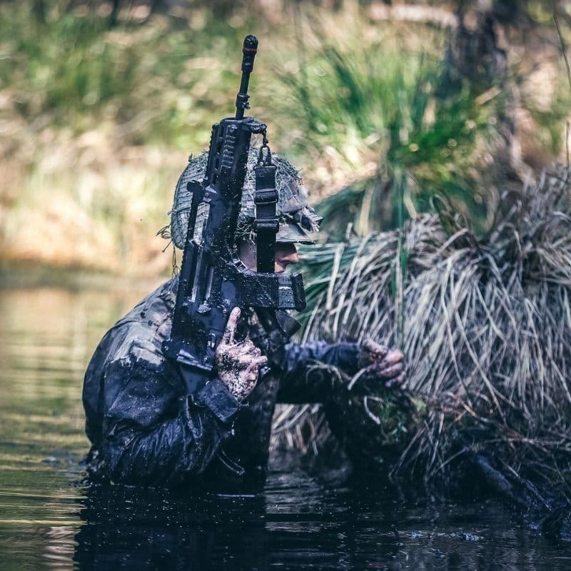 Latvijas Armijas karavīrs