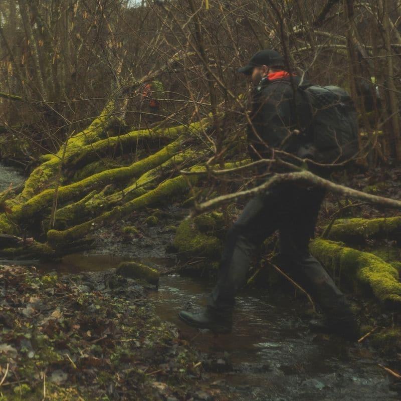 Medību zābaki ir brikšņiem un mežiem